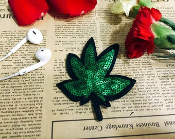 Green maple leaf iron on patch/sequin patch/shining patch/costume patch/Denim patch/Jacket patch/DIY