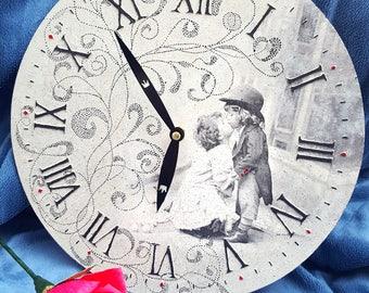 Wall clock 29cm black & white children kiss napkins