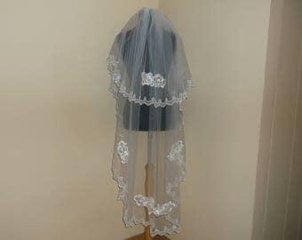White 2 Tier Rhinestone/Lace Beaded Wedding Veil