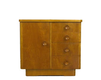 Beautiful little chest of drawers in solid wood with four drawers - 1950s