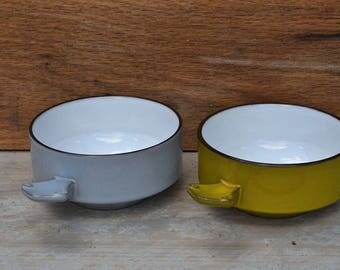 Two soup bowls of Potterij 't fire