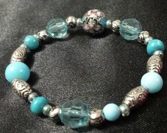 Aqua Blue stretchy glass beaded bracelet