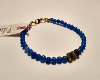 Dainty beaded bracelet/ Blue chalcedony bracelet/ layering bracelet/ Labradorite bracelet/ stacking bracelet/ boho accessories