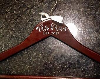 Personalized Bridesmaid Bride Wedding Hanger Dress Gift Shower Bridal