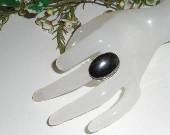 Cabochon hematite stone ring