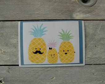 Magnetic frame: the pineapple family