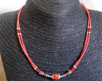 Necklace in coral and Tibetan bead