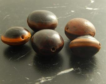 5 Bull's eye beads