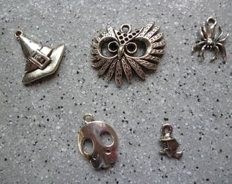 5 Halloween charms in silver