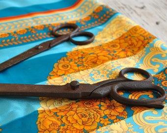 Lot of vintage antique scissors, industrial scissors, industrial shears, rustic home decor, vintage tools, seamstress
