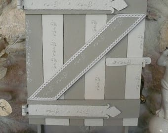 Locker to hang wooden taupe and grey veiled