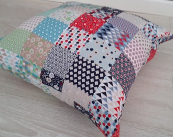 Cushion cover 40 x 40 cm geometric green and Red