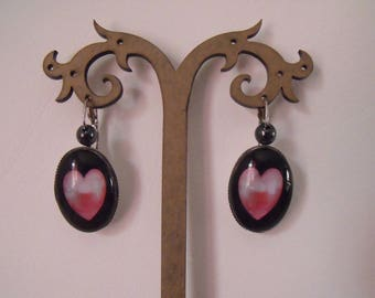LIQUIDATION oval cabochon earrings in black pink heart glass