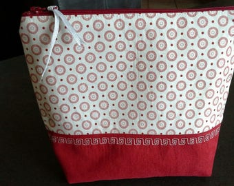 Red and white woman zipped pouch