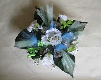Lime green, blue and gray wedding centrepiece