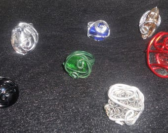 The madness of the rings. In all styles, colors, a great choice.