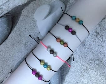 Bracelet and its trio of glitter beads