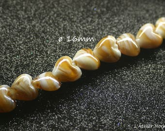 Heart 16mm white glass bead and orange Caramel * to the unit *.