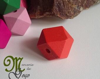 Color 2 * 2 cm red hexagonal wooden bead.