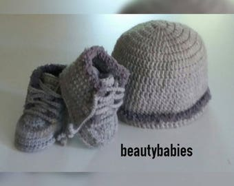silver grey hat and boots set size 0-3 months
