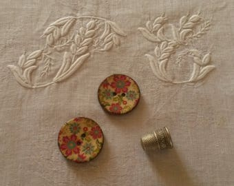 2 buttons flowery wood / spirit of 70's