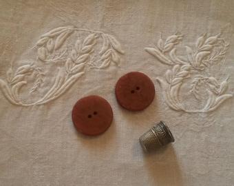 2 buttons / caramel color
