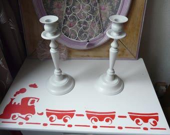 Two candlesticks light gray
