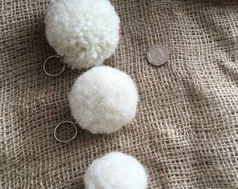 Pom pom Keyring - Whiteface Dartmoor mule Wool - Handmade SMALL FLUFFY x1