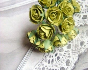 Set of 12 small decorative green roses