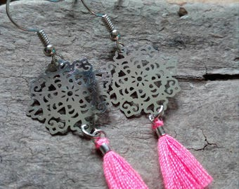 long tassel and filigree Star Pink bow