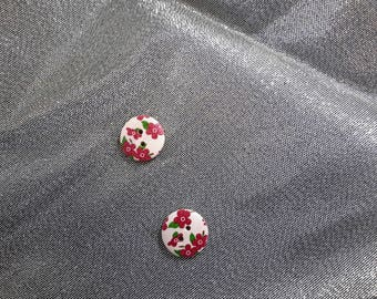 Set of 2 wooden buttons to flowers