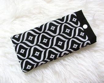 Cotton quilted glasses case black and white geometric