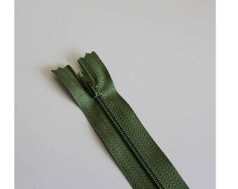 Dark khaki green not separable zipper 18 cm, couture quality zipper