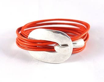 Leather woman-orange leather strap buckle in silver - handmade leather bracelet for women