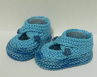 baby booties lined cotton straps
