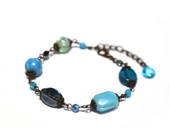 Blue glass beads bracelet