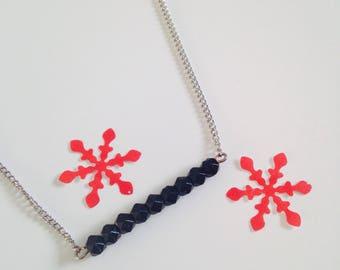 Fine necklace with black beads