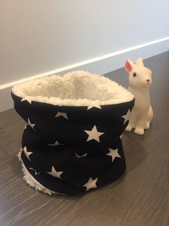 Snood/black choker has stars