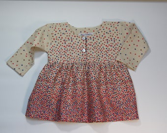 Tunic coral and blue hearts.
