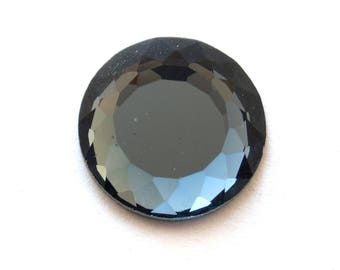 Grey faceted glass (24mm) cabochon