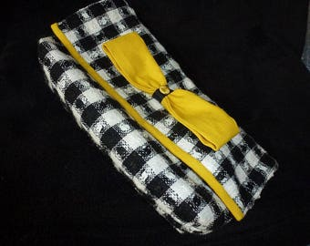black and white bow with yellow gingham Pocket