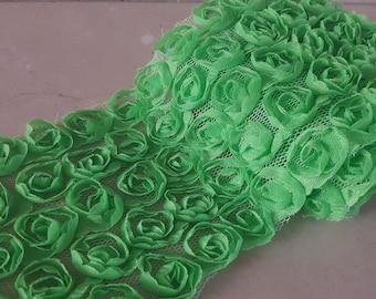 90 cm of tape lace width 9 cm organza flowers