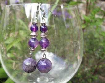 Purple agate and glass beads earring