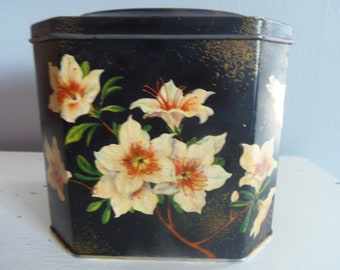 VINTAGE BISCUIT TIN