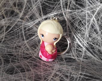 Light blond woman Keychain with a scarf that bears his child Fimo with Keychain attachment