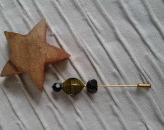 Black and green beads pin