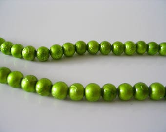 25 round glass beads matte green 6 mm color