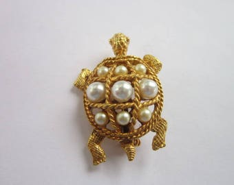 Fun Costume Gold Tone & Faux Pearl Turtle Brooch