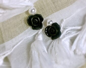 Black White Pearl and flower Bohemian earring