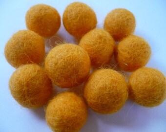saffron yellow, 18-20 mm, Merino felted wool, beads